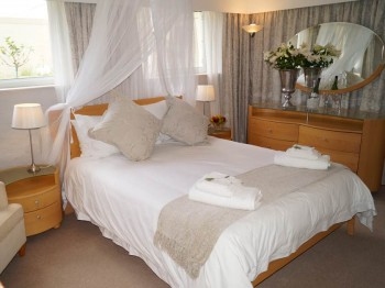 pinotage-accommodation-hermanus01