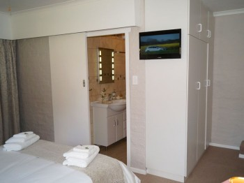 pinotage-accommodation-hermanus04